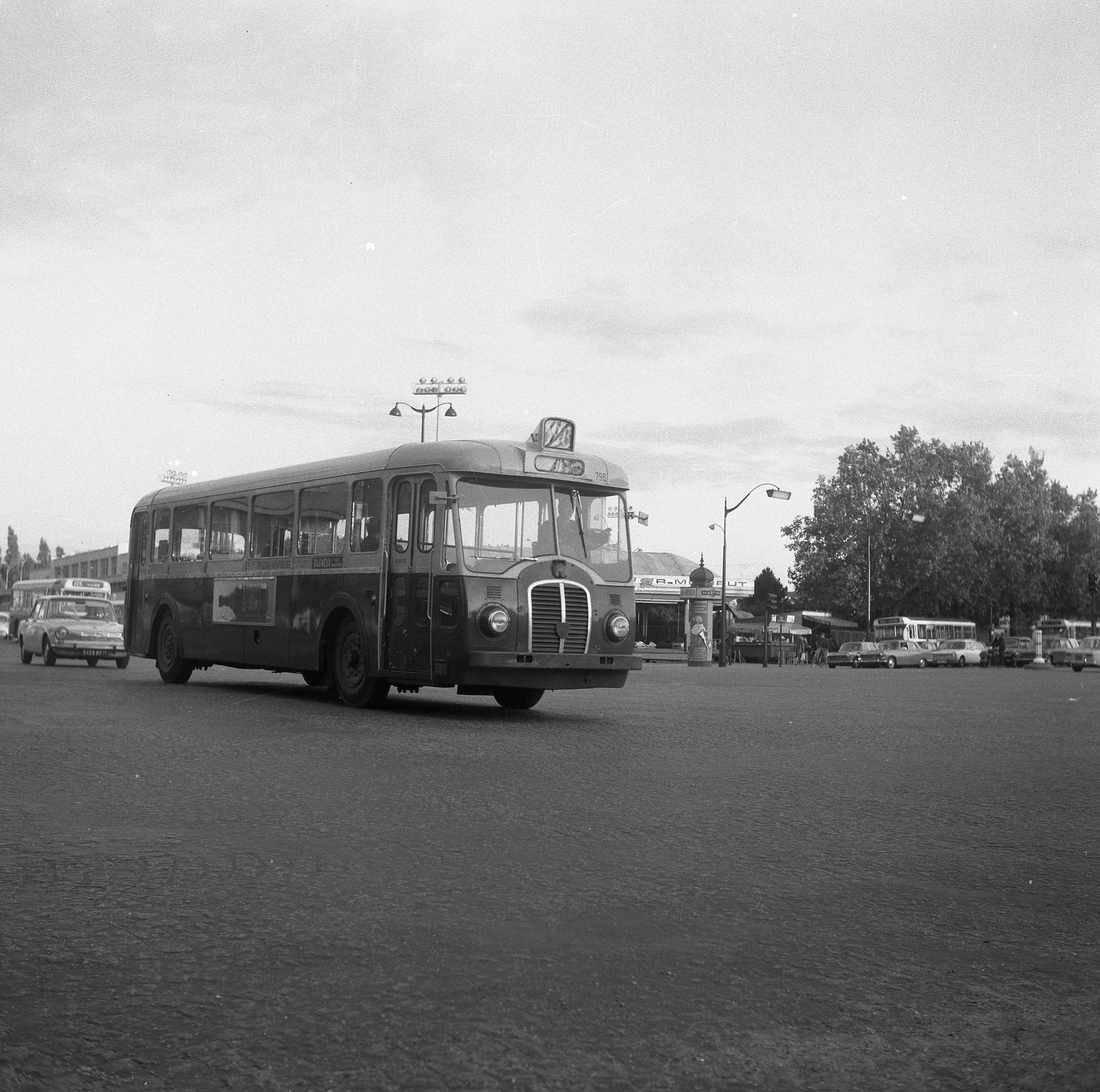 autobus - paris - ratp - somua op5-2 n u00b0796 - 1950