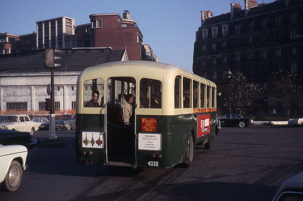 Un TN4HBar en service à Paris à 1964