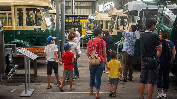 Visite au Musée des transports urbains de France