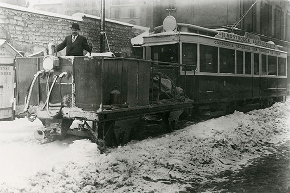 Balayeuse à neige des tramways parisiens